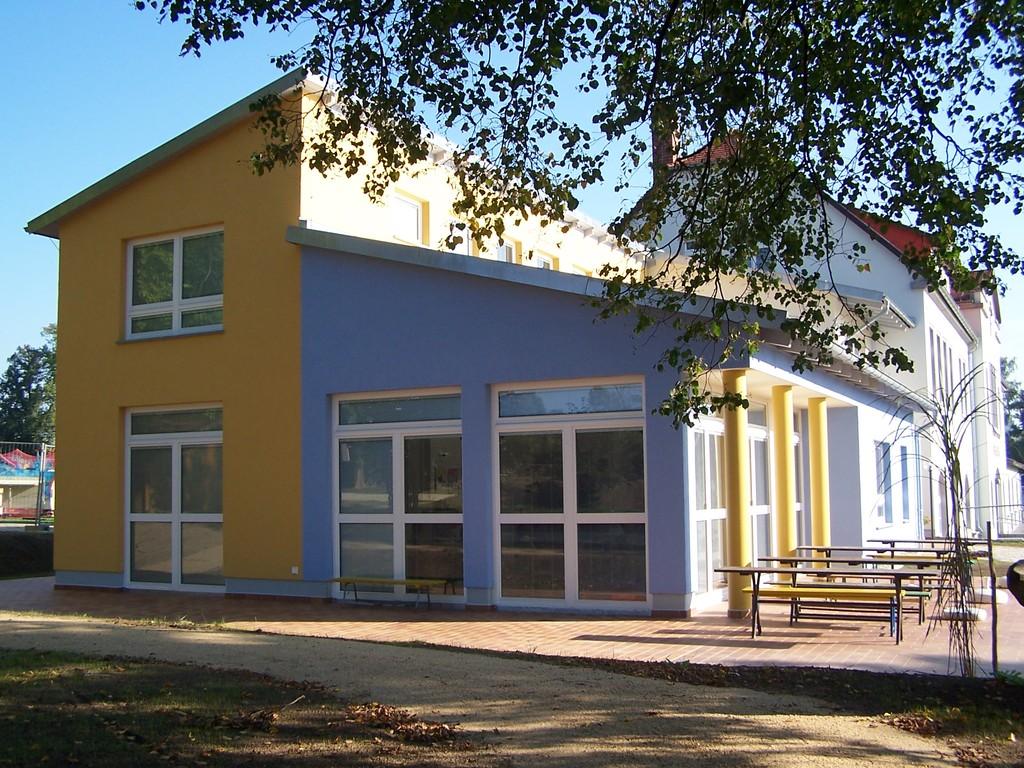 An-und Umbau Gemeindeamt Bretnig zu einer KITA, Bretnig-Hauswalde, Am Klinkenplatz (2005)