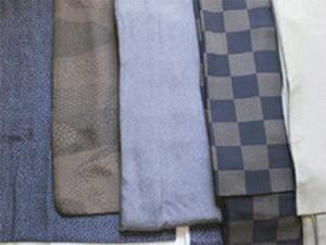▲江戸小紋の例 左から霰、流水、鮫小紋、 市松の中に行儀、鮫、極毛万筋。