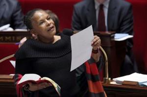 フランス市民法について議会で
