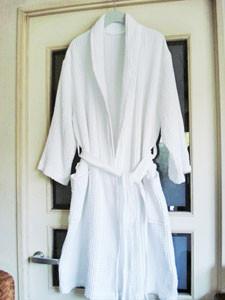 真っ白のバスローブ