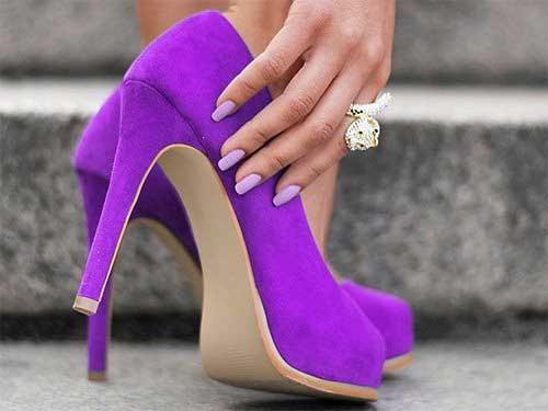 紫 パンプス