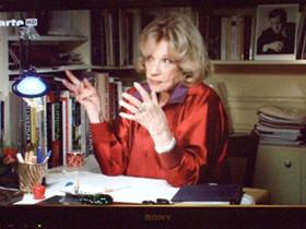 2011年1月3日 TVアルテ(EU圏放映)彼女の書斎からインタビュー (我家のTVから撮影)