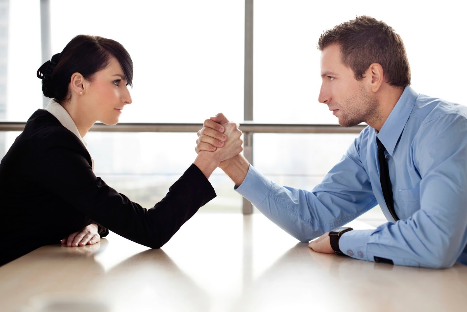 ¿Necesita negociar de manera diferente con las adquisiciones?