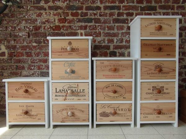 Armoire en pin 12 tiroirs site de legrenierdecommi - Caisse de vin en bois deco ...
