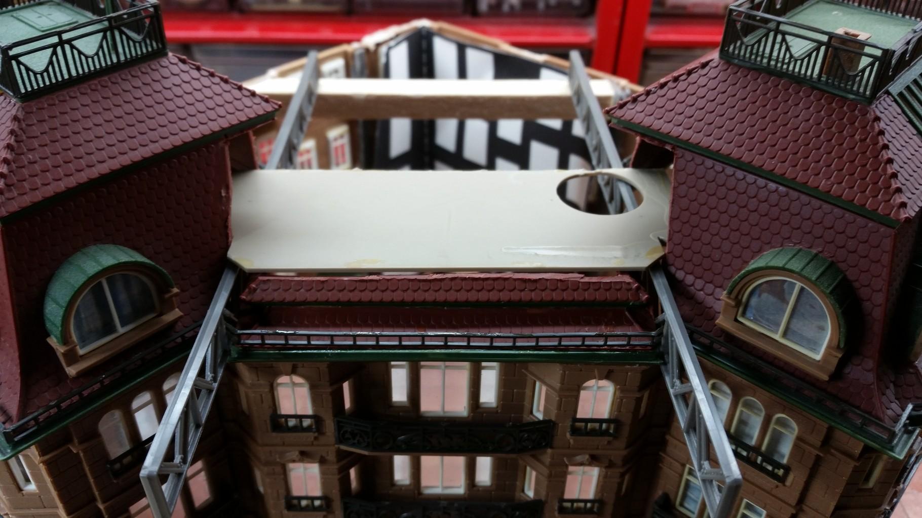 Auswahl der Bodenplatte und Anpassung des Daches