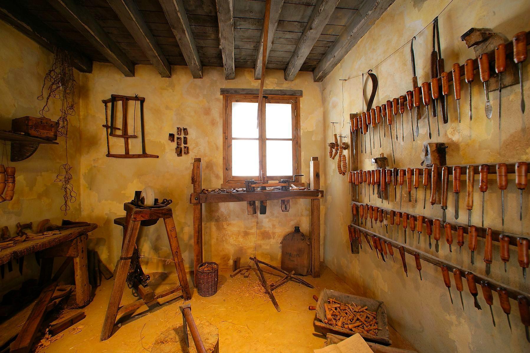 l'atelier du tourneur sur bois