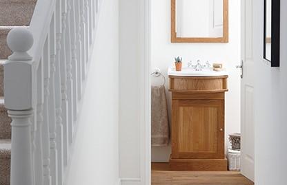 Waschbeckenunterschrank, Eiche, klassisch mit Keramikbecken