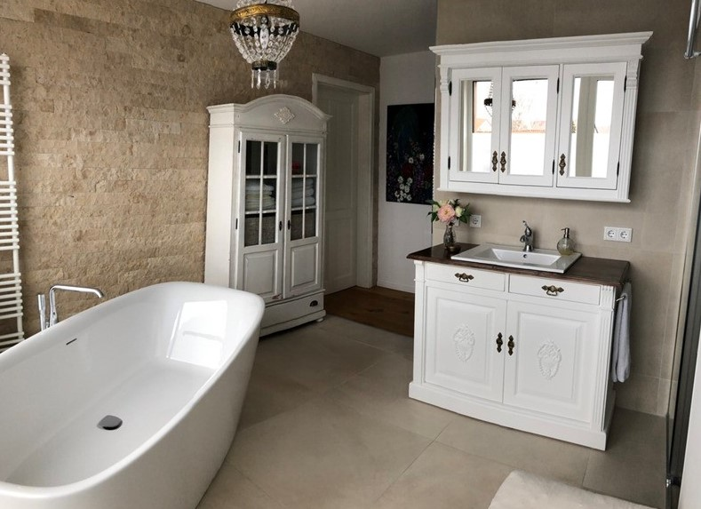 Landhaus Waschtisch von Land-und-Liebe Badmöbel