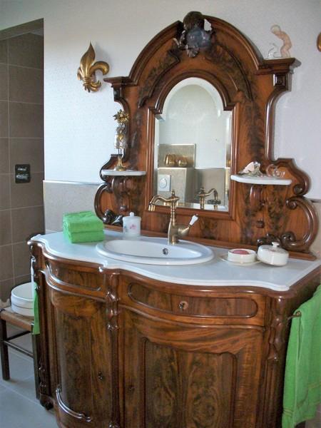 Antiker Waschtisch Land und Liebe Badmöbel