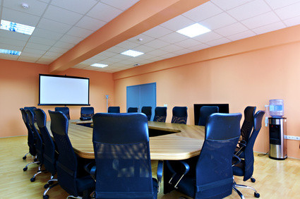 Konferenzraum projektor, beamer business partner freund düsseldorf mobil leinwand