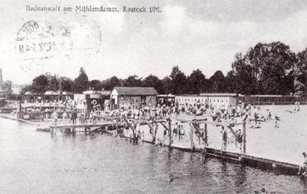 So sah das Flussbad Rostock um 1930 aus