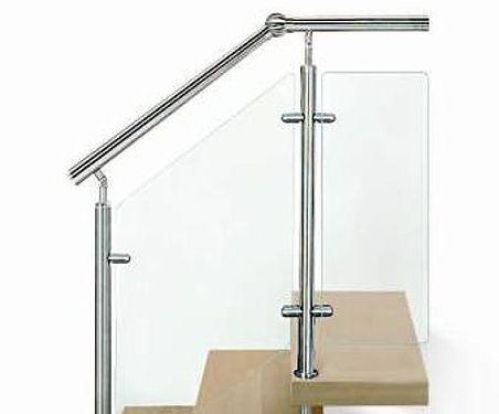 Variante: runder Handlauf, VSG-Glasfüllung statt Reling