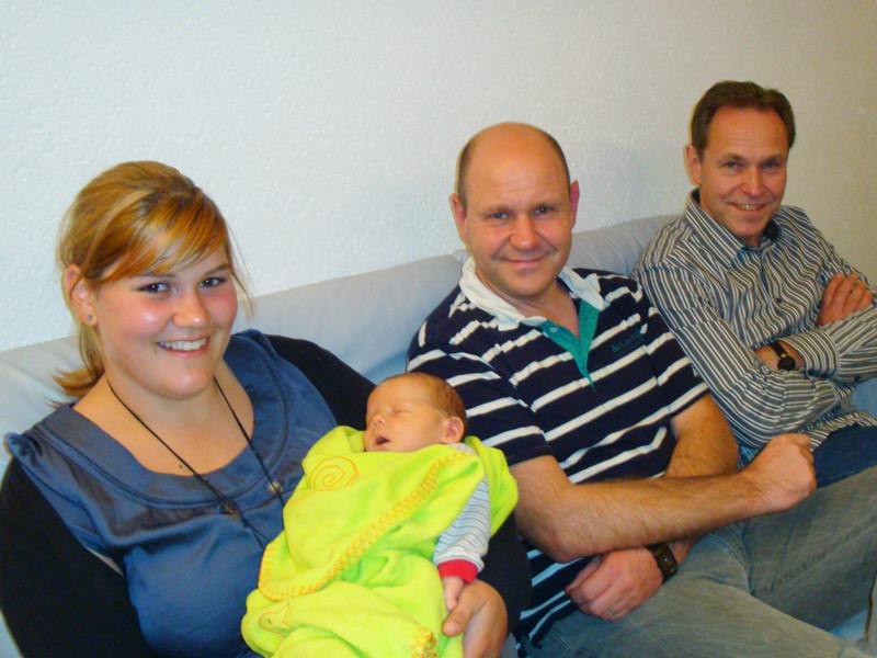 Rebekka, Hanspeter und Daniel (meine älteste Cousine und zwei meiner Onkels)