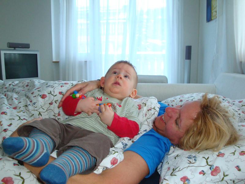 Am Morgen früh - Tante Dee müde, ich ganz fit