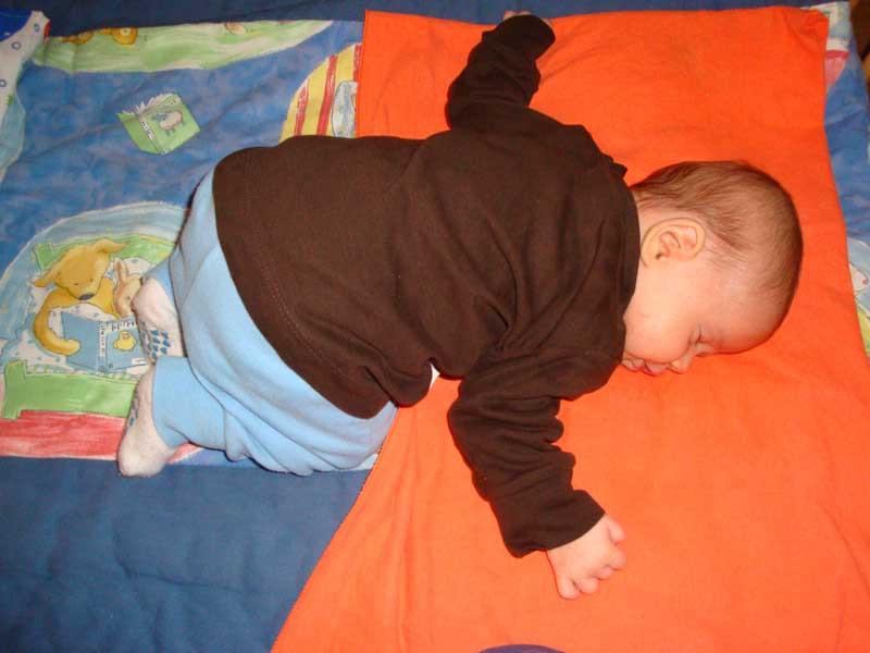 Ich schlafe viel - und in allerlei Stellungen