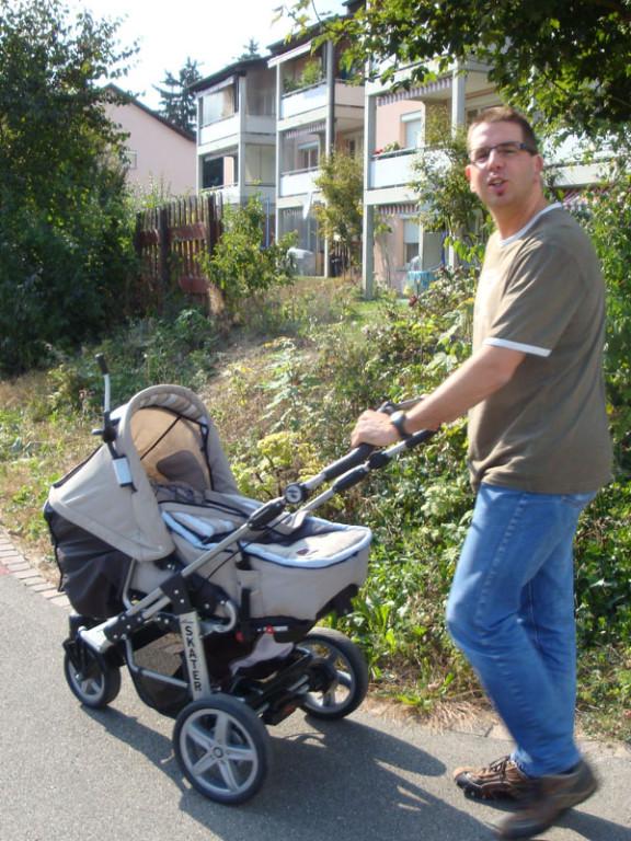 Meine erste Ausfahrt im Kinderwagen...