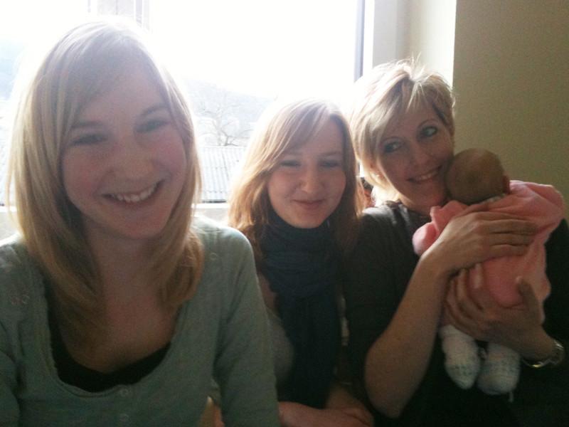 Sandra, Nicole und Priska: Tunaupark-Mitbewohner :-)