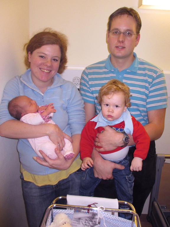 Freunde meiner Eltern: Tabea und Michi mit Aaron und Leonie