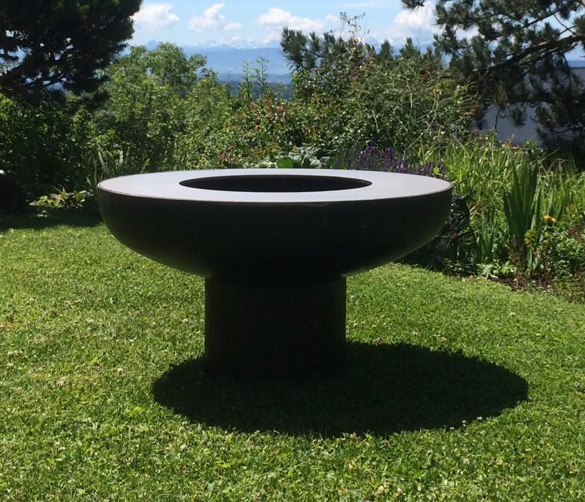 olympische feuerschale aus stahl mit edelstahl grillplatte. Black Bedroom Furniture Sets. Home Design Ideas