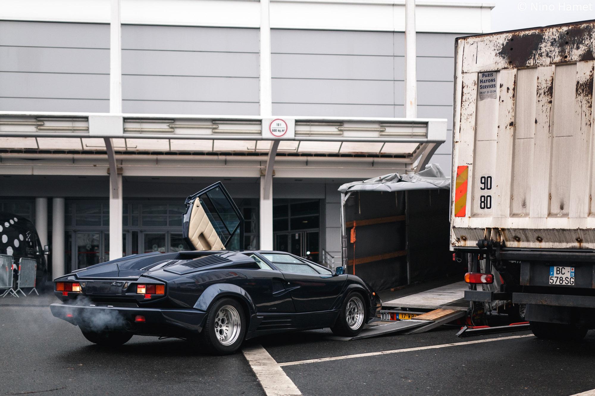 Lamborghini Countach 25th Anniversary dans une rare teinte. Bien entendu vendue !