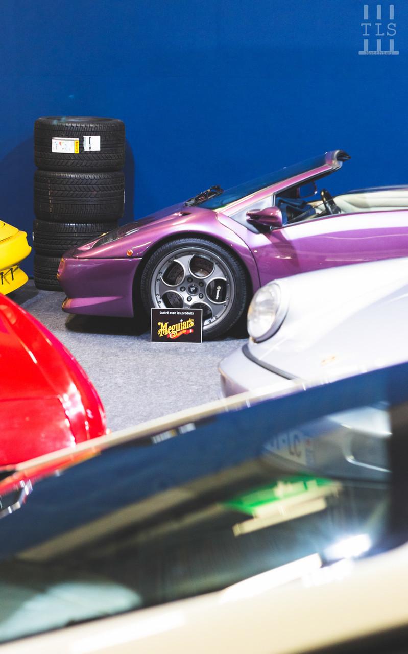 Lamborghini Diablo Roadster.