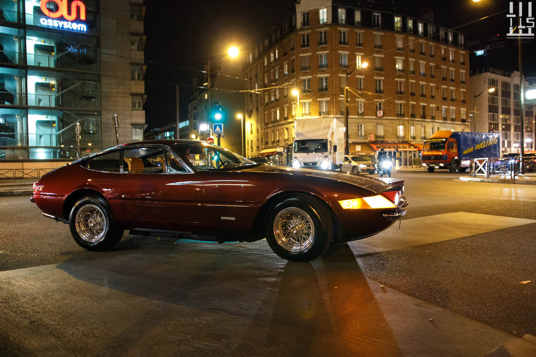 J'adore les Ferrari Daytona.