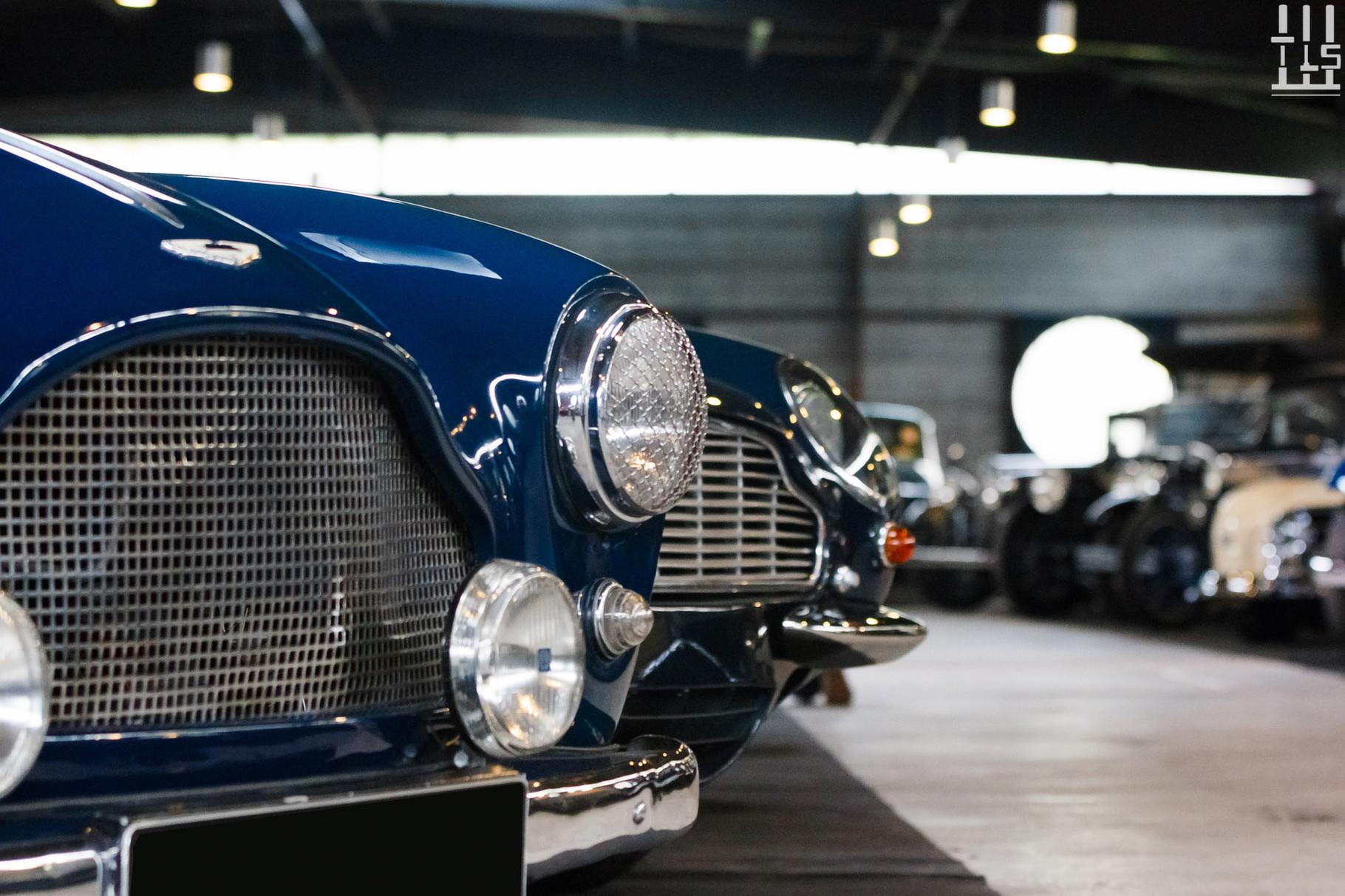 Revoilà la DB2 bleue !