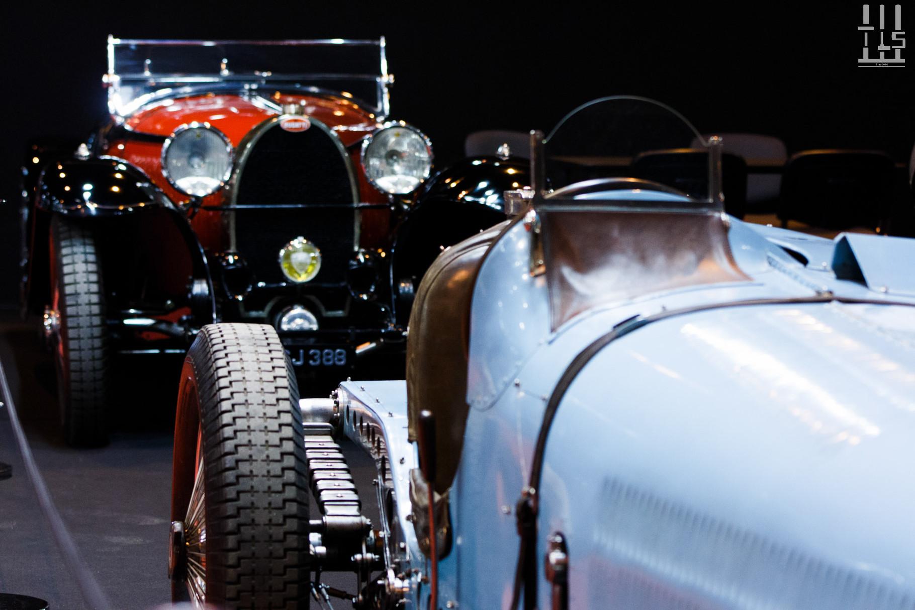 Une auto s'admire dans les détails (Bugatti Type 59)