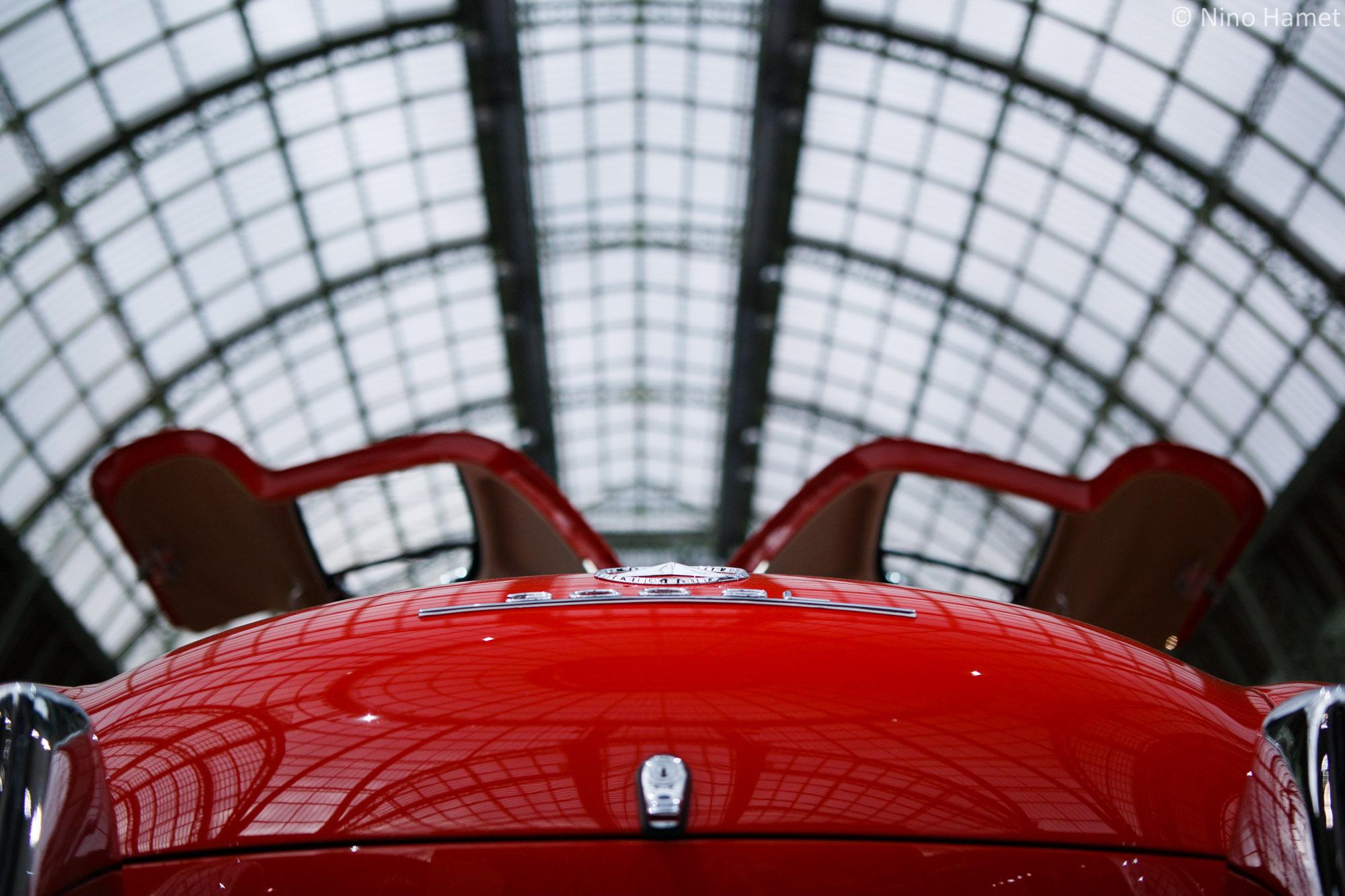 Une merveille au Grand Palais : la Mercedes-Benz 300 SL Gullwing.