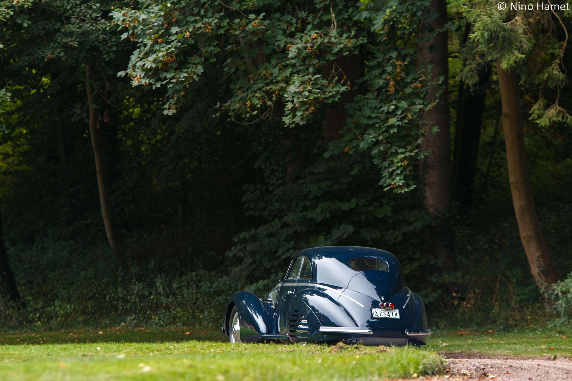 Les prémices de l'aérodynamisme d'avant-guerre - Voitures fermées, premier prix : Alfa Romeo 8C 2900B Lungo Berlinetta 1938 (M. John Shirley)