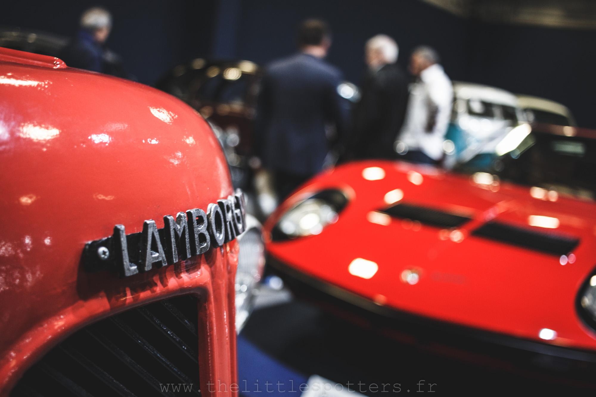 Deux Lamborghini, mais des moyens de locomotion extrêmement différents.