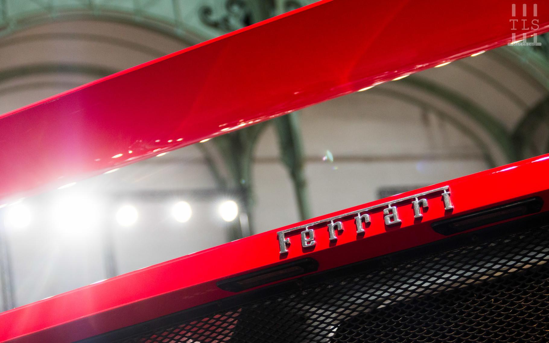 Ferrari F40, invendue.
