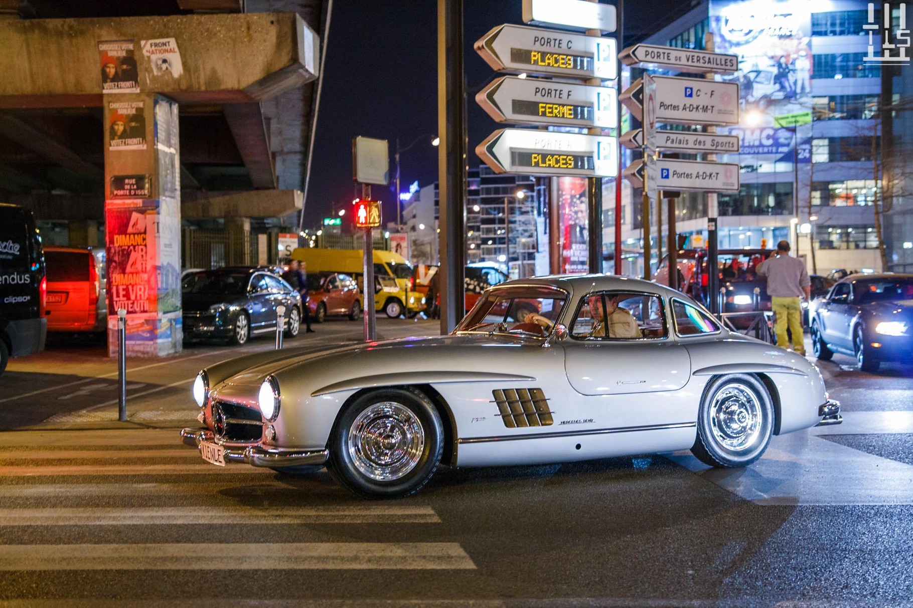 Mercedes-Benz 300 SL Gullwing, auto que j'affectionne.