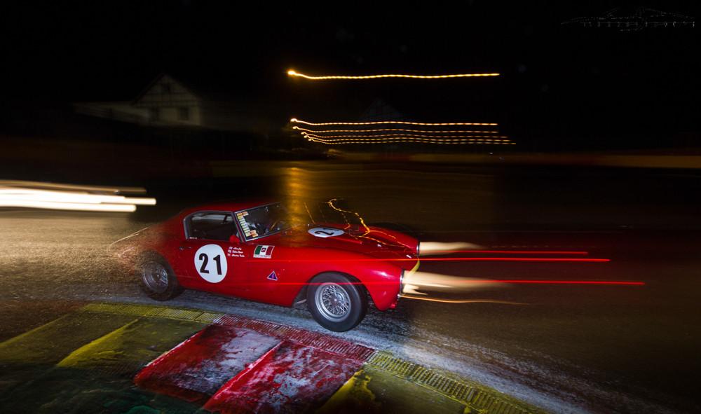 Clive Joy court à bord de sa Ferrari 250 GT SWB.