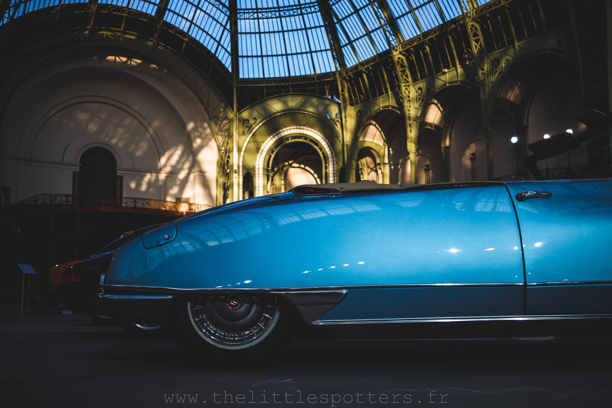 Une superbe teinte pour cette superbe DS 19 Cabriolet.