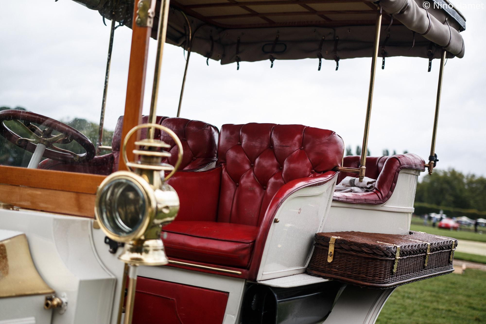 Les voitures à vapeur, premier prix : Rear Entry Tonneau 1903 (M. Mitch Gross et Mme. Wendy Gross)