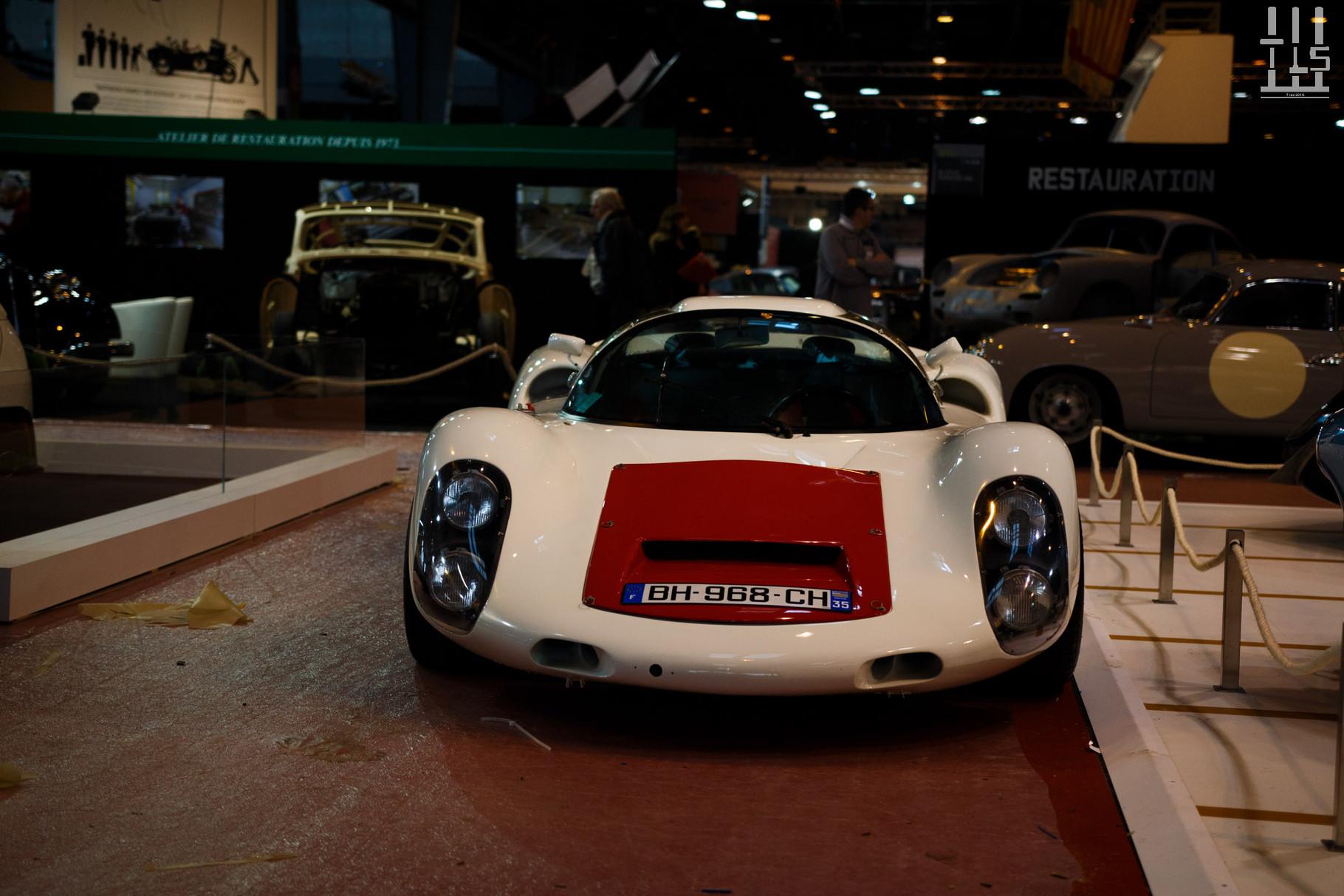 Cette Porsche 910 me semble légèrement douteuse. Qu'en pensez-vous ?