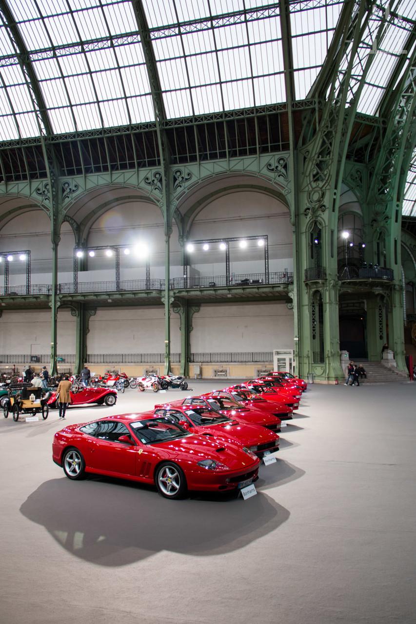 Un bel alignement de Ferrari.