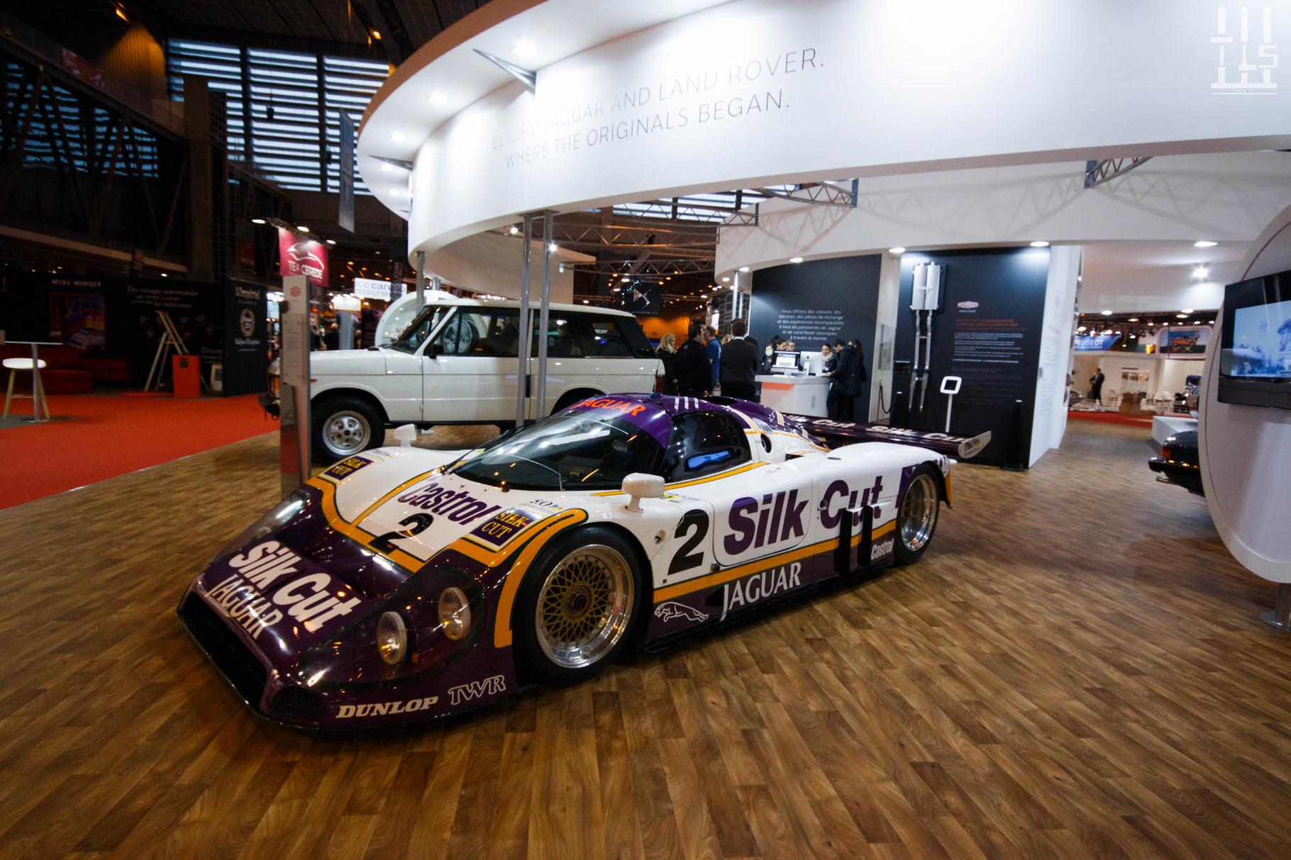 Tout comme la Jaguar XJR 9 s'expose chez Jaguar. Pour rappel, cette auto a gagné les 24 Heures du Mans en 1988.