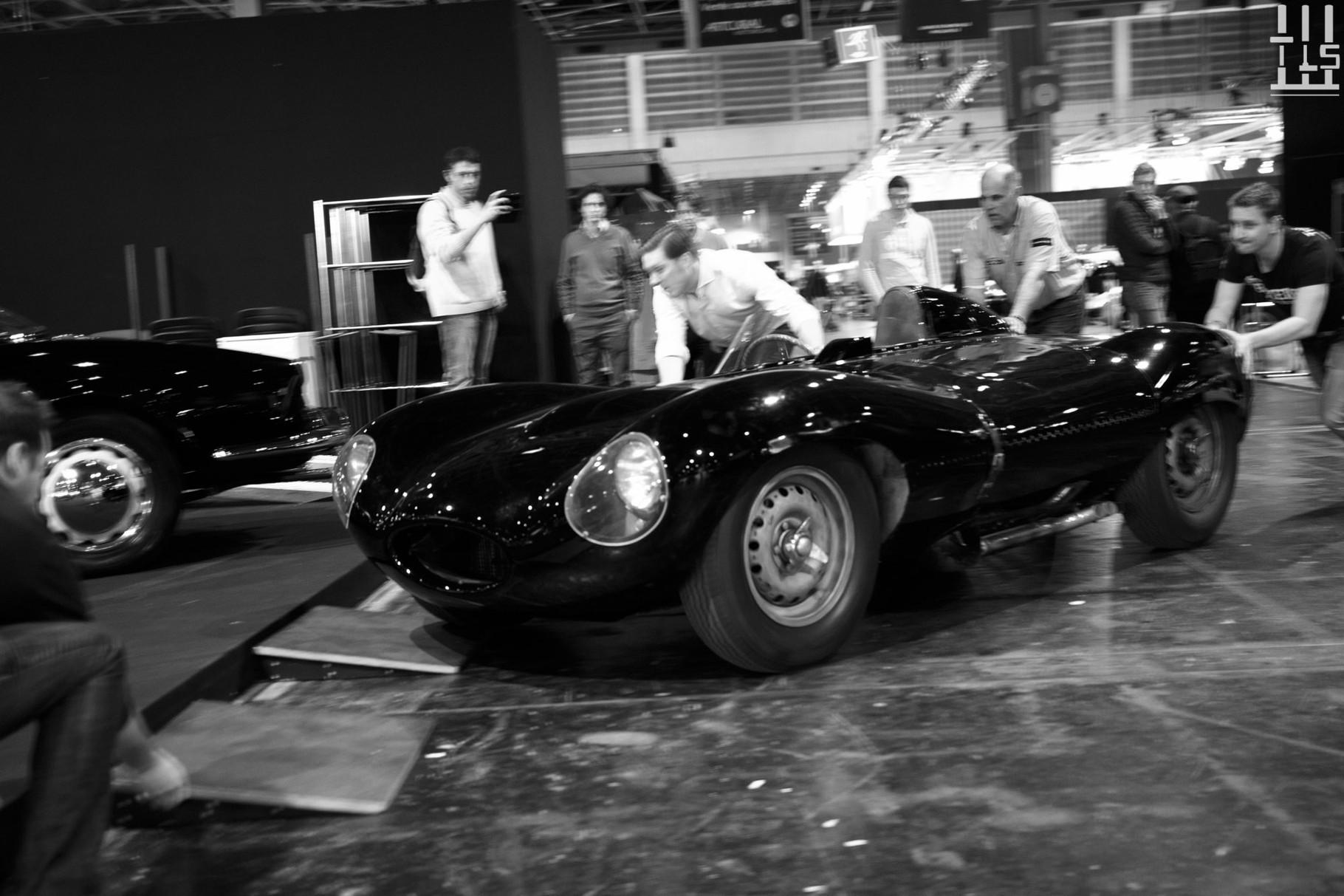 La Jaguar Type-D présente chez Lukas Hüni prend le large...