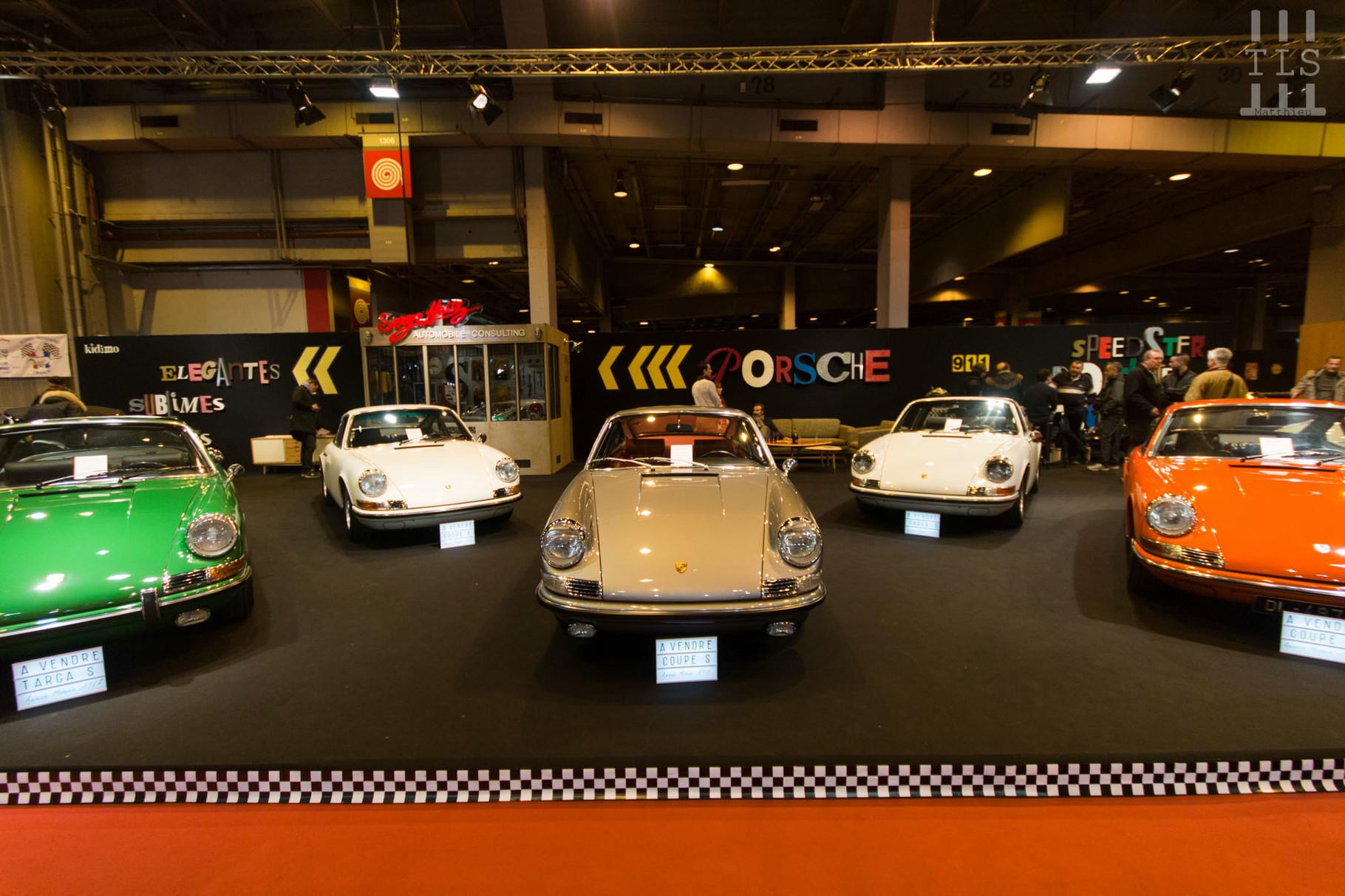 Le stand Jean Lain Vintage propose une très belle sélection de Porsche.