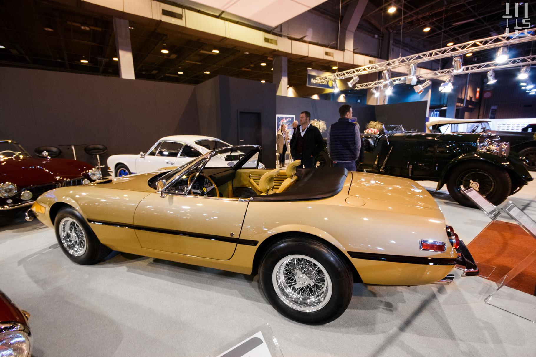 Retour chez Axel Schuette avec la première Ferrari 365 GTS/4 Daytona sortie de l'usine Maranello. La teinte Oro Chiaro est celle que je voudrais sur ma Daytona si j'en possède un jour une.