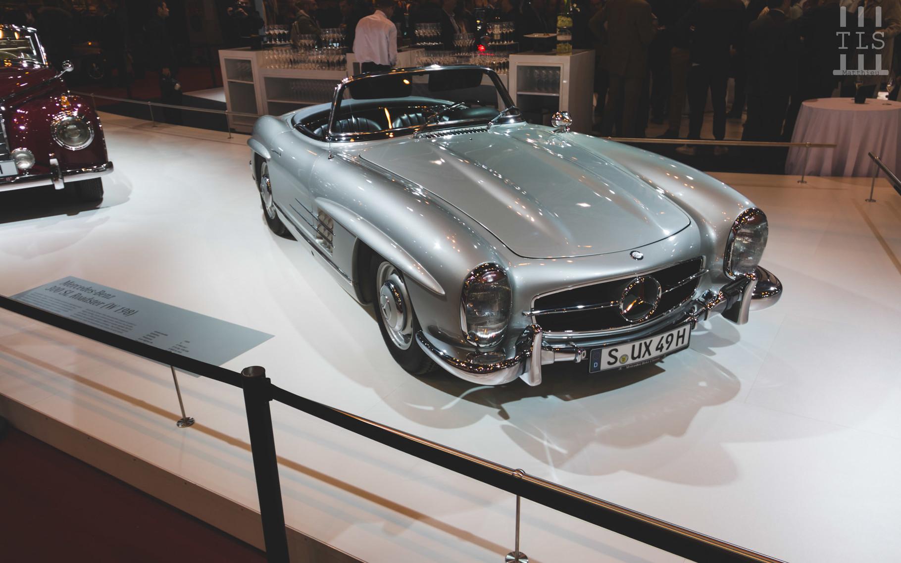Comme chaque année, nous retrouvons une variante de la 300SL sur le stand Mercedes. Cette fois-ci, ce sera la version roadster.