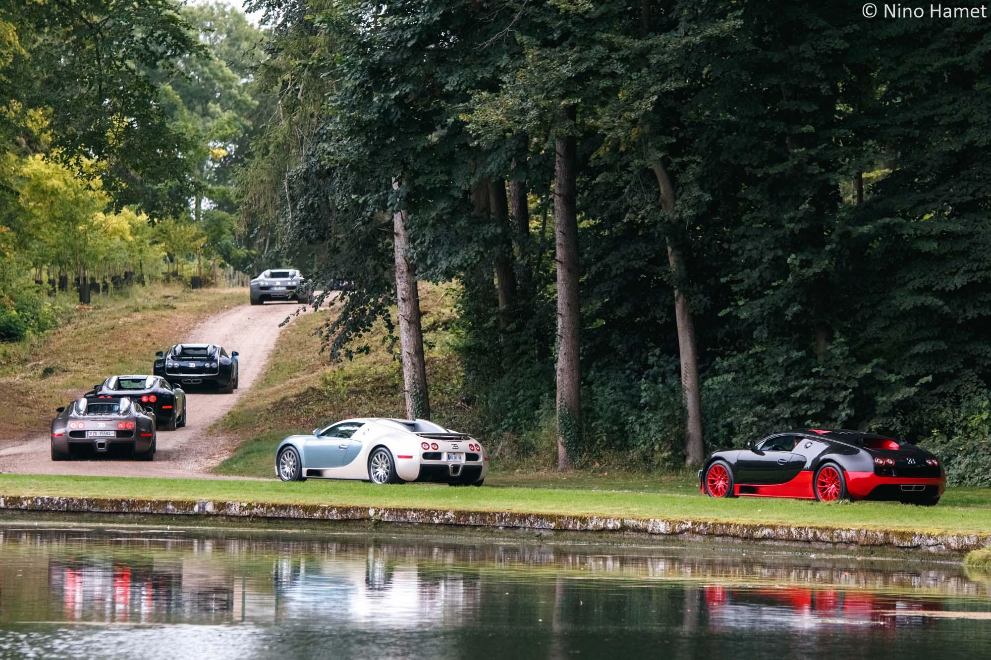 Un bel alignement de Bugatti Veyron !