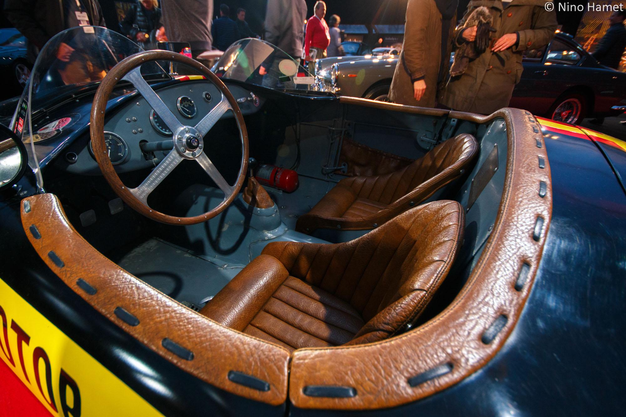 Focus à nouveau sur l'intérieur de l'Osca MT4 1500, vraiment magnifique !