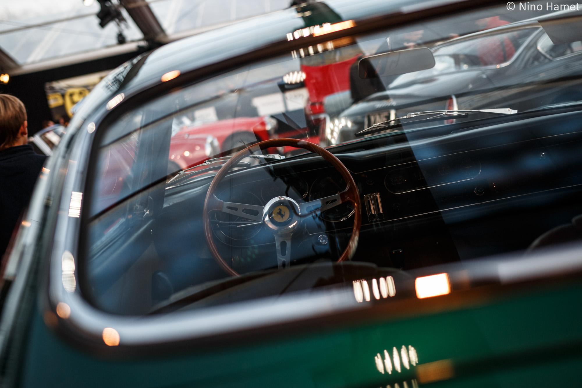 Le Verde Pino de la 275 GTB Shortnose s'accorde sobrement avec l'intérieur.
