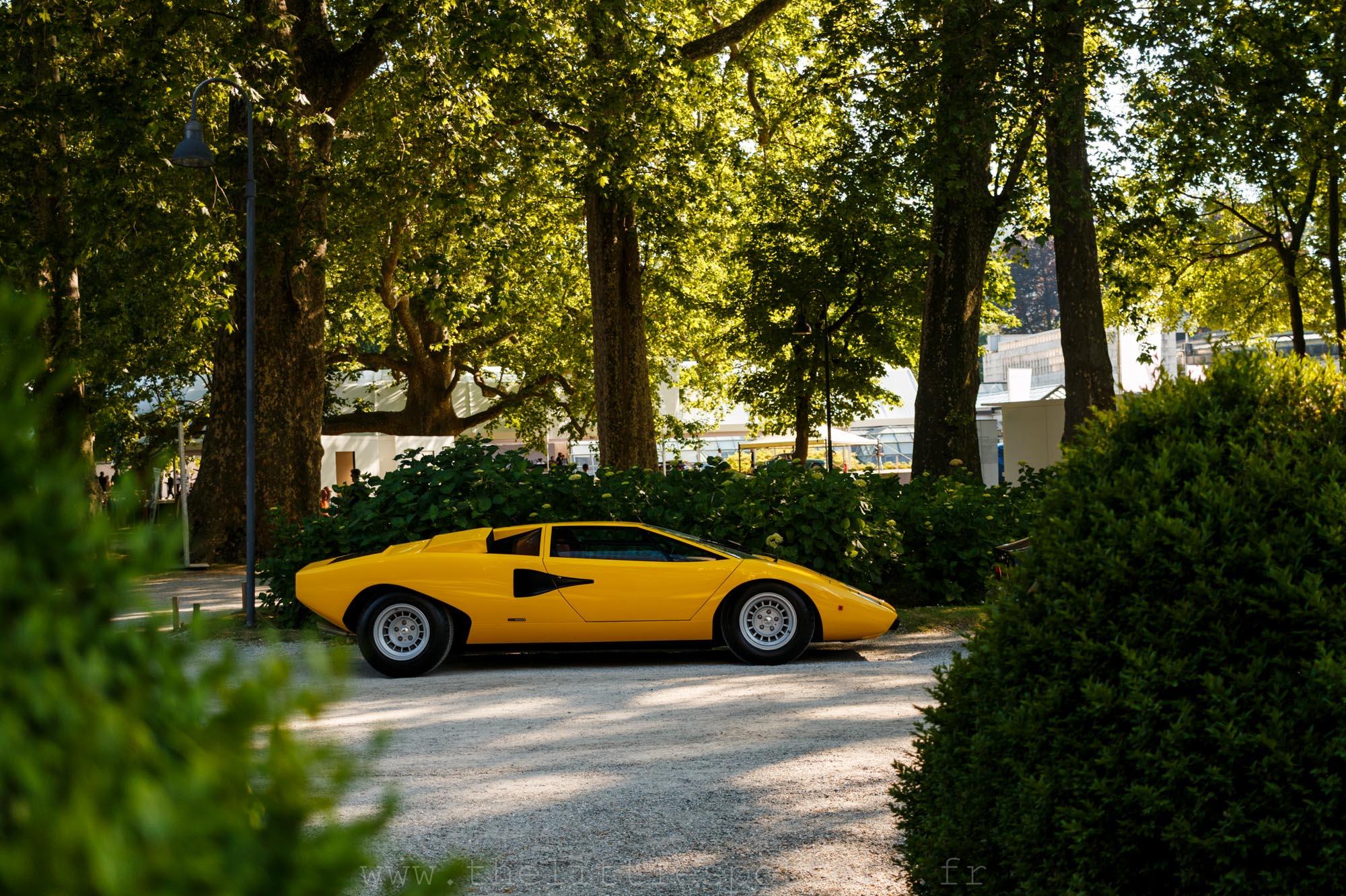 Lamborghini Countach LP400 Periscopio, adjugée 817 600 euros.
