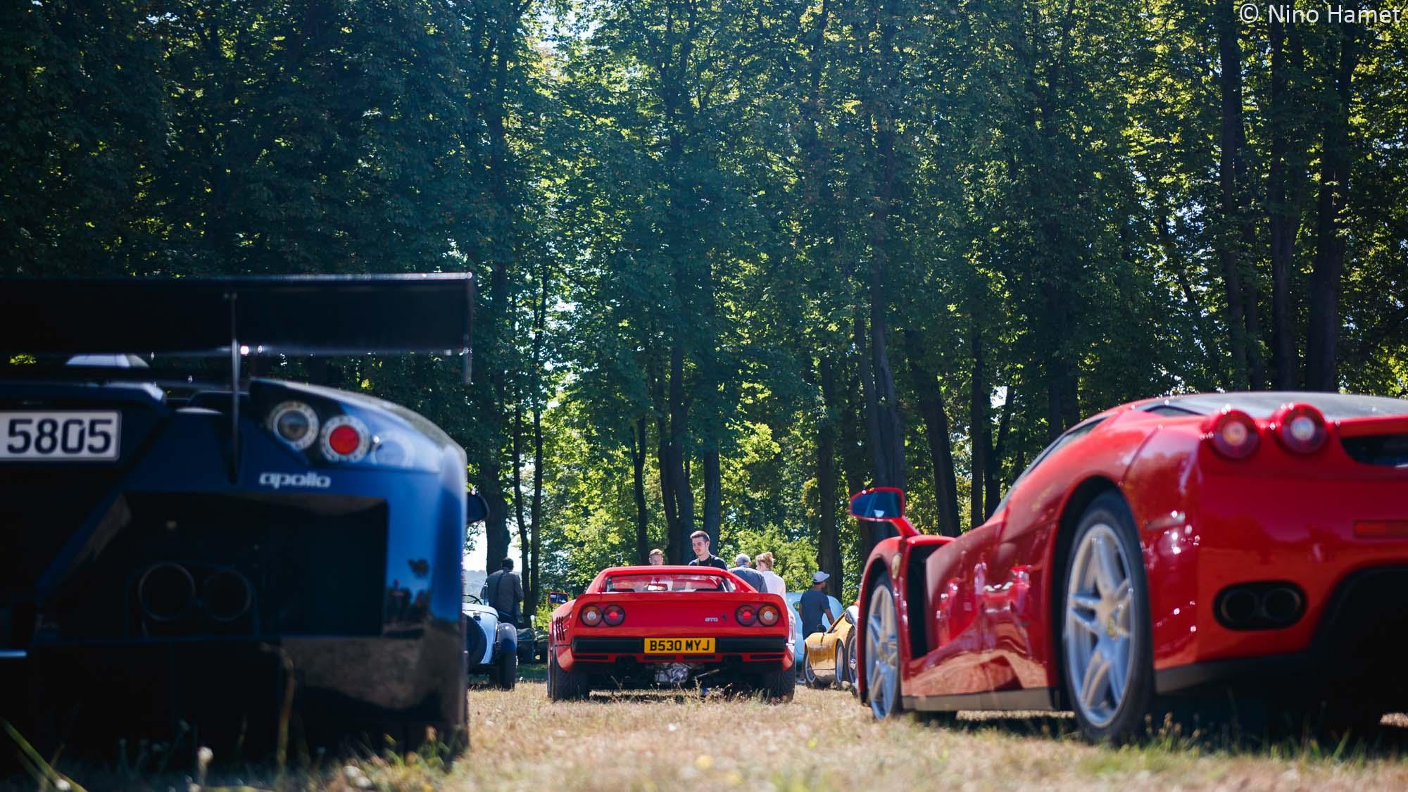 Entre une Gumpert Apollo et une Ferrari Enzo, on peut parfois trouver une Ferrari 288 GTO...