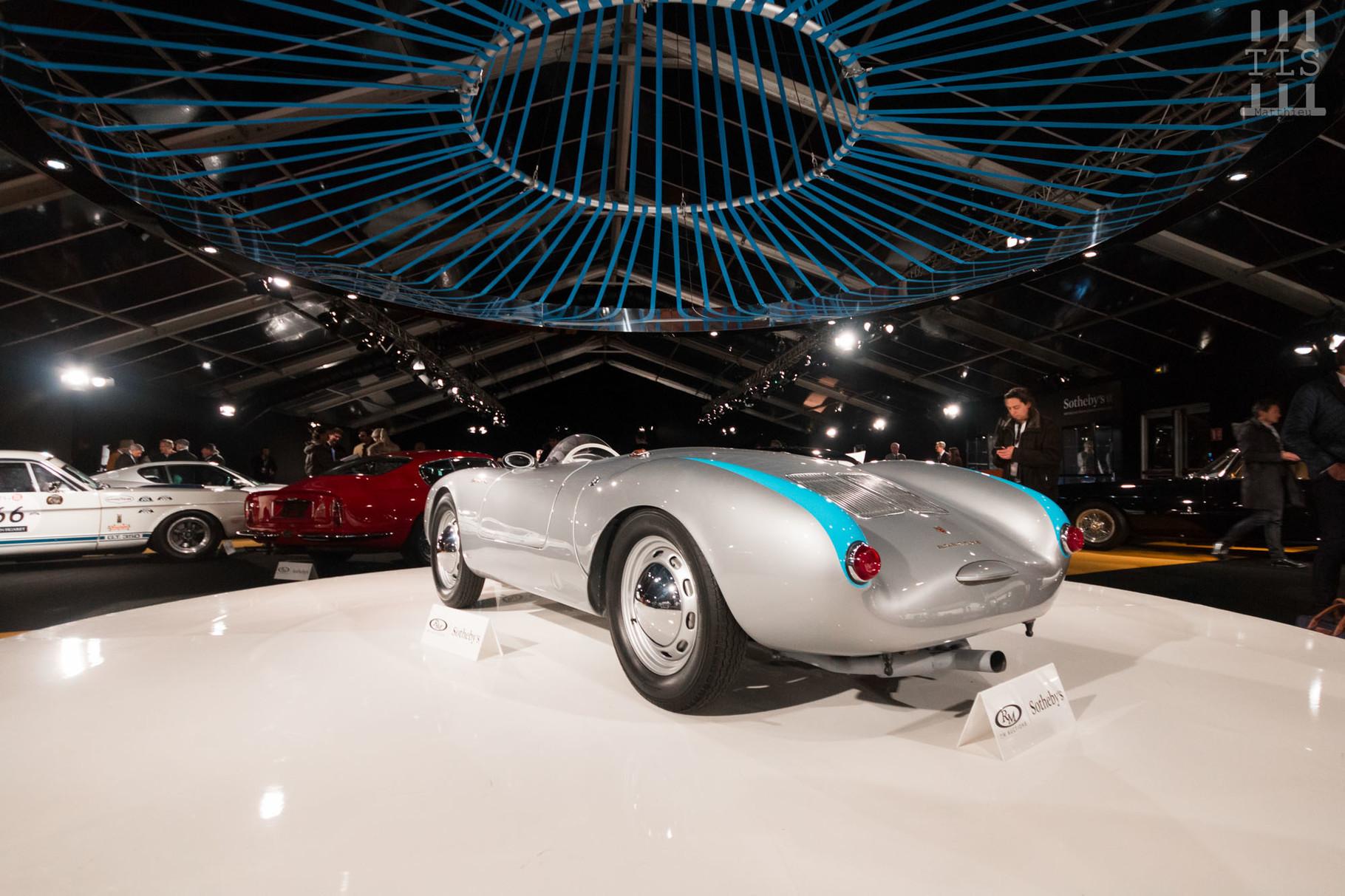 Porsche 550 Spyder, vendue à 2 744 000 euros.