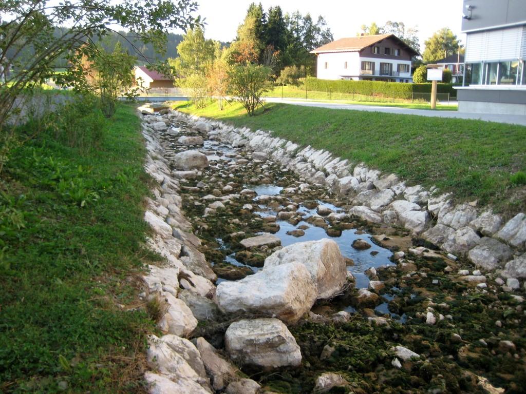 31 août -  Le Brassus, affluent de L'Orbe, lit détourné et revitalisé par la manufacture Audemars-Piguet